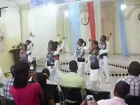 Baixar Canción Del Desierto (de: HILLSONG). -Ministerio Sharat Maná- Danza con Abanicos&Davidico.
