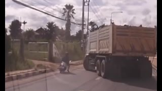 Tai nạn Sơ ý của xe tải ( Nguồn nước ngoài )