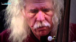 "Ross Daly - Ross Daly recording ""Dilkeşide Saz Semâi"" in Studio Vasmaris"
