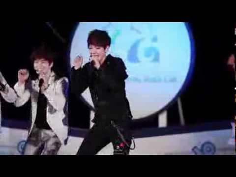 [Fancam] 120530 Baekhyun Cute Dance - Cultwo Show