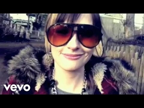 Kacey Musgraves - Merry Go 'Round (Official Music Video)
