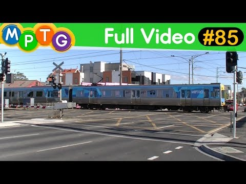 Metro Trains at Ormond and West Richmond Stations (Full Video #85)