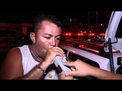Bêbado Esperto tenta Enganar a Polícia