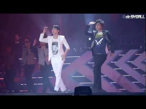 120818 SMTOWN LWT III in SEOUL - 동방신기 (TVXQ) Rising Sun [DC SY GALL].mp4