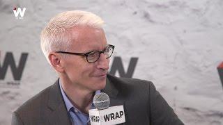 Anderson Cooper Felt 'Awkward' Discussing Mom Gloria Vanderbilt's Hot Dates (Video)
