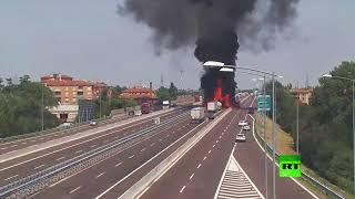 شاهد لحظة انفجارين ضخمين في حادث صهريج الوقود في بولونبا الإيطالية ...