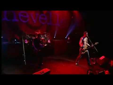 Chevelle - Comfortable Liar (Live)