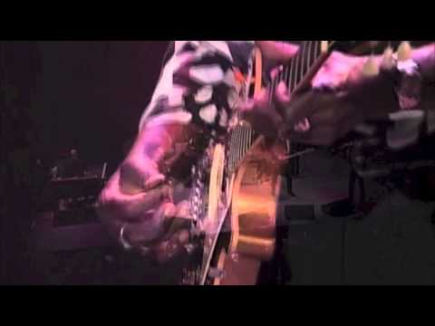 Living In The House of Blues - Luther Allison (Live)