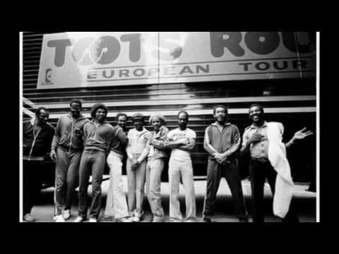 Baixar TOOTS & THE MAYTALS - Light U Light