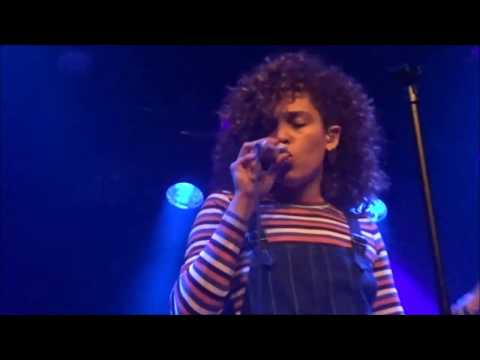 Izzy Bizu - Flying With Your Eyes Closed, Melkweg 19-02-2017