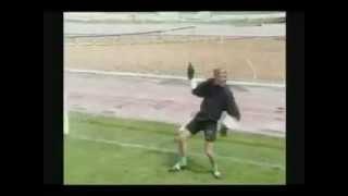 [HÀI HƯỚC] Trận bóng đá cười gần chết - YouTube.flv