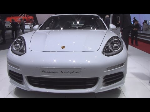 Porsche Panamera S E-Hybrid (2016) Exterior and Interior in 3D