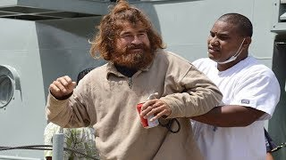 8 Incredible Stories of Real Life Castaways