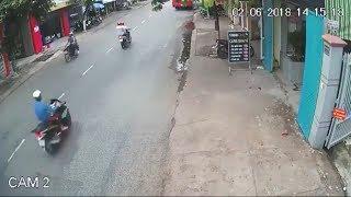 Tai nạn kinh hoàng ở Bến Tre / Phóng xe với tốc độ cao nam thanh niên bị xe ô tô cán nát Đầu | XTNow