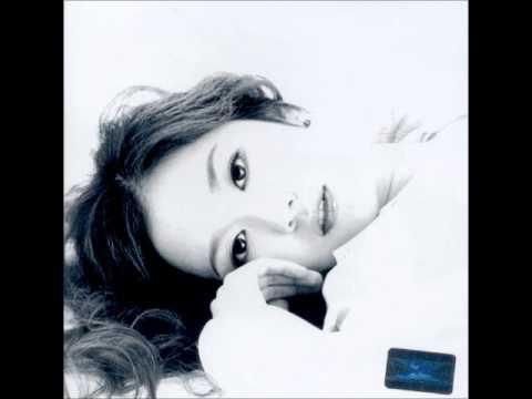 [Jang Na Ra (장나라) 1집 -  First Story] 02.  눈물에 얼굴을 묻는다