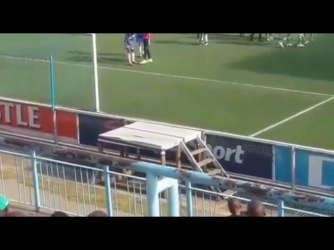 VIDEO: Nhận trái đắng vì 'học đòi' tuyệt kỹ Penalty của Messi & Suarez