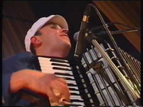 15 Апрельская посевная (Сурганова и Оркестр, Живой, 2003)
