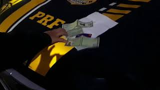 PRF prende homem com diversos documentos falsos na BR 290 (Freeway), em Gravataí