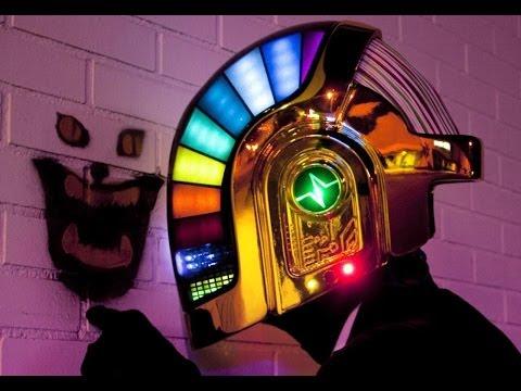 Hełm Daft Punk w 17 miesięcy