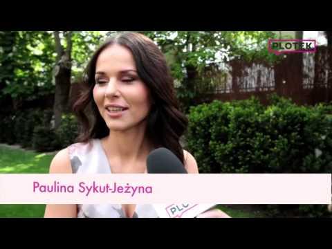 Sykut pokazuje nogi w mini | VideoMoviles com