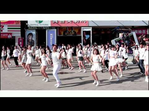 TWICE - OOH-AHH하게 flashmob in Taipei 西門町街頭快閃應援活動 from Taiwan
