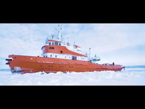 Ice breaking in Swedish Lapland