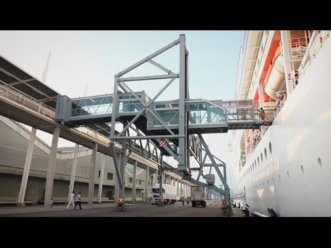 Seaport Passenger Boarding Bridges Introduction - HD