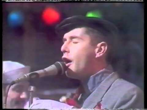Frankie Goes To Hollywood - Ferry Cross The Mersey - Debut Appearance On The Tube.m4v