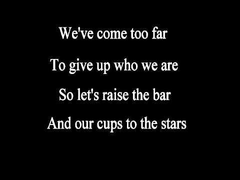 Baixar Daft Punk Ft. Pharrell Williams - Get Lucky (Lyrics) HQ