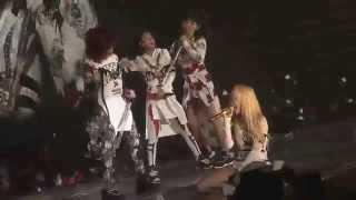 "2NE1 - ""I DON'T CARE (Rock Ver.)"" LIVE PERFORMANCE"