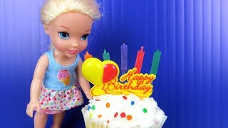 Little Elsa's BIRTHDAY party ! Elsa and Anna toddlers party with friends - Surprise Gifts - Cake
