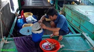 Khám phá cuộc sống đi biển/marine life of Vietnamese fishermen