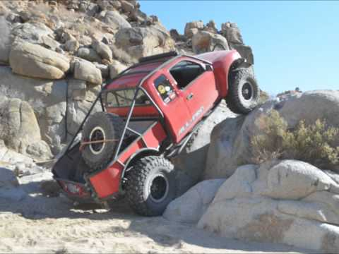 All-Pro Solid Axle Swapped Tacoma Rock Crawling in Johnson Valley, CA