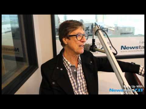 ZBTV: Hank Marvin online metal music video by HANK MARVIN