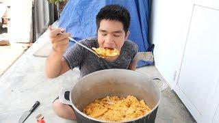 Làm Nồi Trứng Chiên Khổng Lồ Siêu Cay To Nhất Việt Nam | TQ97