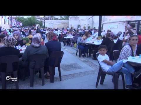موائد الإفطار الجماعية تعزز الروابط بين السوريين والأتراك