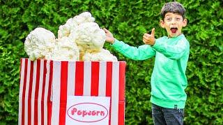 Jason makes Big Popcorn to watch Film