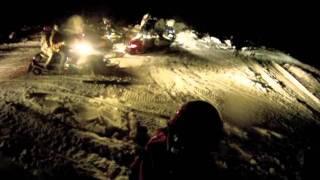 Vidéo de motoneige de nuit