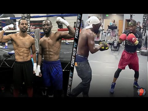 TERENCE CRAWFORD SCHOOLING JAMEL HERRING ON THE PADS; WORKING BOXING FUNDAMENTALS