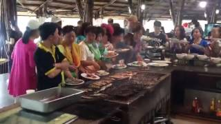 Chinese tourist clearing out BBQ super fast in vietnam lol !