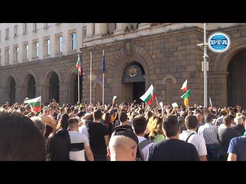 Румен Радев: От всички нас зависи да изхвърлим мафията от изпълнителната власт и прокуратурата