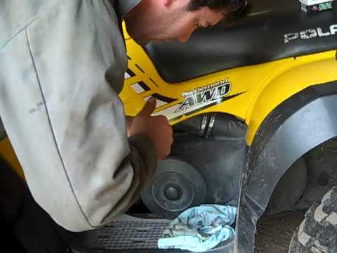 Changing Oil On Polaris Sportsman 500 Ho Mp4 Youtube