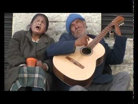 Ancianos ciegos cantando hermoso