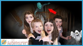 PLAYGROUND WARS! - Ghost In The Graveyard Night Game / That YouTub3 Family The Adventurers