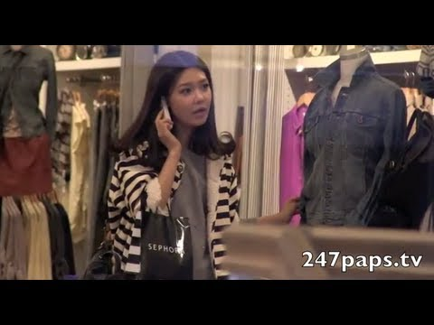 Girls Generation shopping in New York [SNSD]