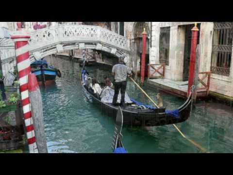 VENEZIA, ciudad flotante y romántica - Música Charles Aznavour - Com'e triste Venezia.