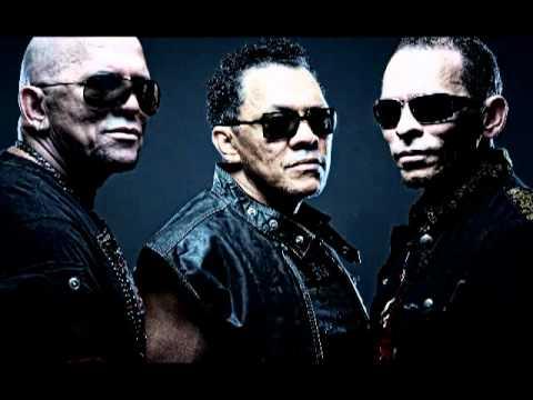 Los Hermanos Rosario,