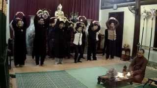 Gia đình nhỏ hạnh phúc to: Hương Sen Đại Bi 8/3/2014