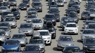 France to allow congestion charges in bid to reduce traffic jams