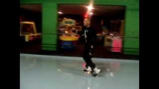 Smooth Combo of Jb moves and rhythm skating at Skate City by Gobs